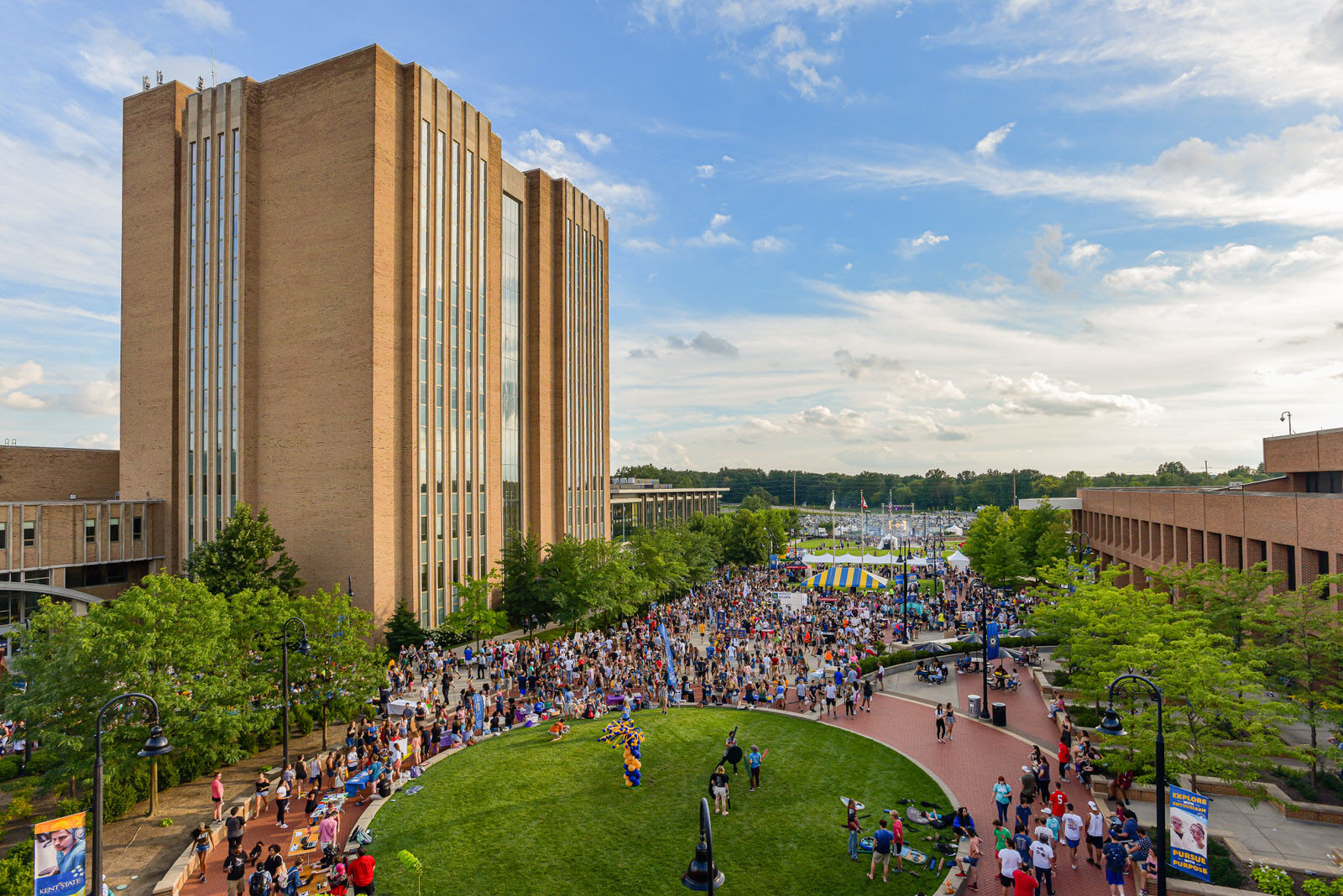 Kent State University students gather on Risman Plaza for Blastoff 2019, its annual back-to-school celebration. For fall 2019, Kent State celebrates its largest honors class in history and welcomes a freshman class with strong GPA and ACT scores.