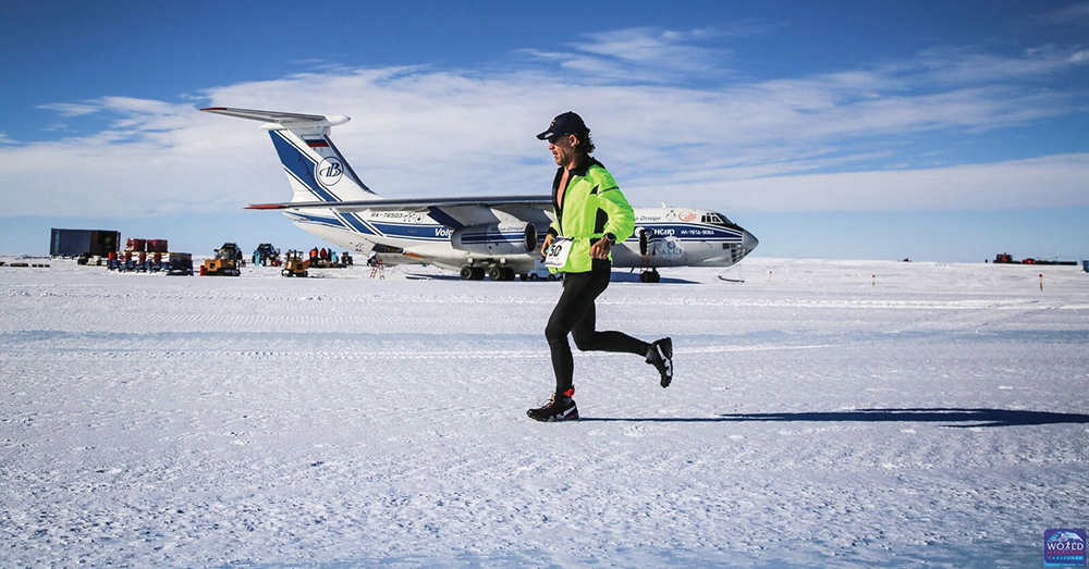 Dorn Wenninger, BA '91, began the 2018 World Challenge Marathon in Novo, Antarctica, on Jan. 30, 2018. Photo Credit: World Marathon Challenge