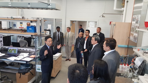 Delegation from the Thai Ministry of Sci. & Tech visits Fuel Cell Lab