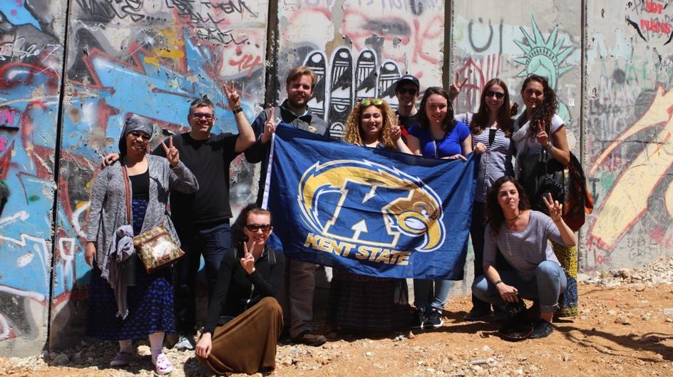 students holding Kent flag