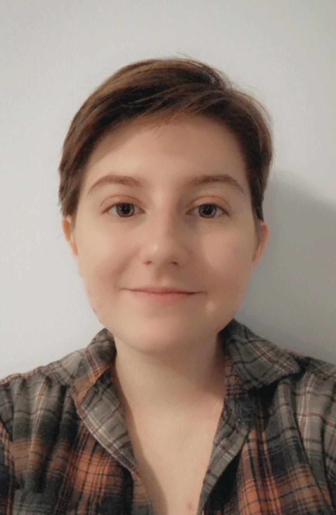 Headshot of Angela Molina