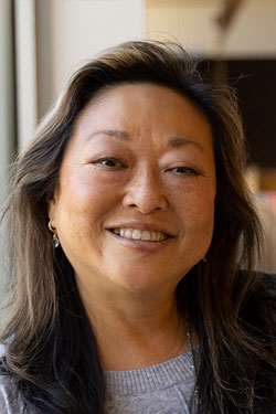 Joanne J. Kim, BS '86,