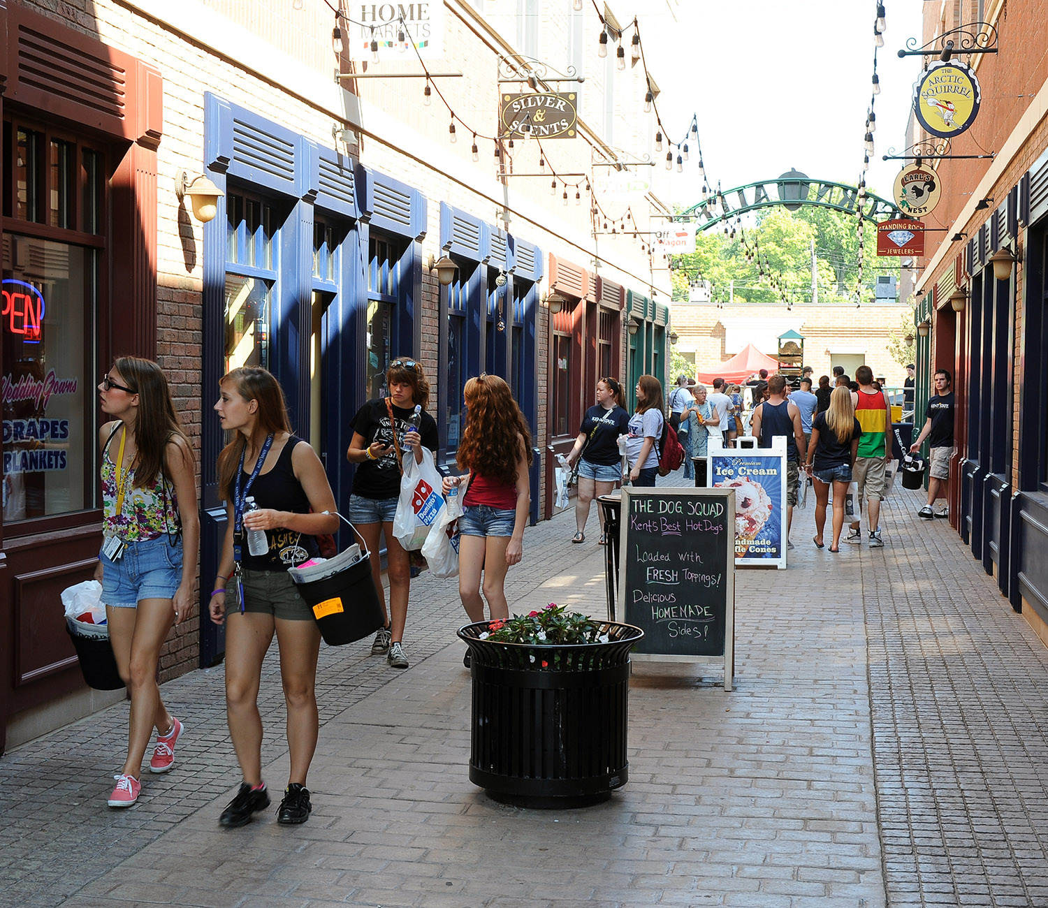 Acorn Alley has shops and restaurants, as well as the Kent State Hotel.
