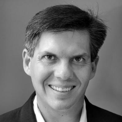 Headshot of Robert Nowatzki