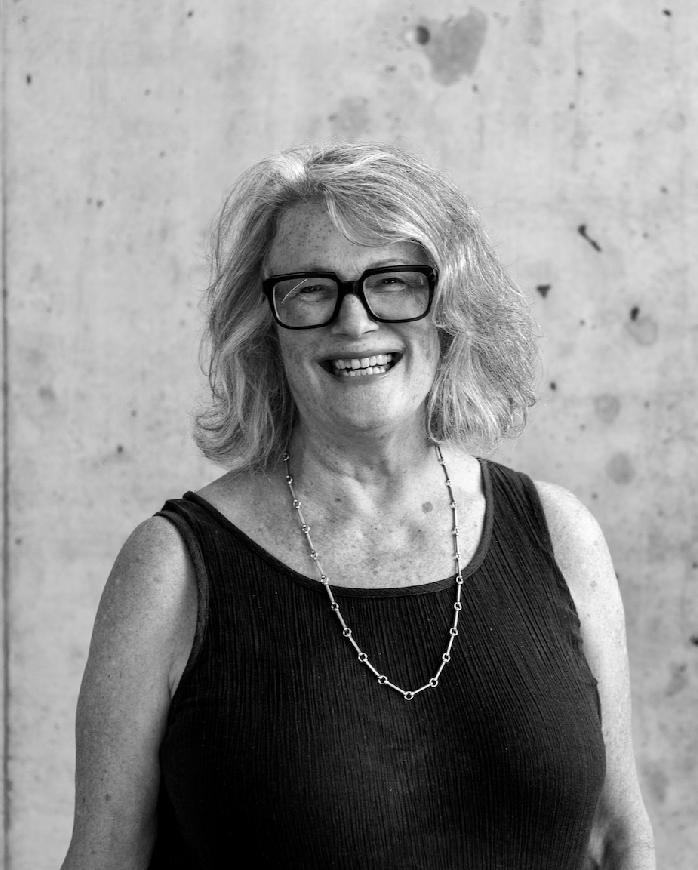 Lynn Chalmers Headshot