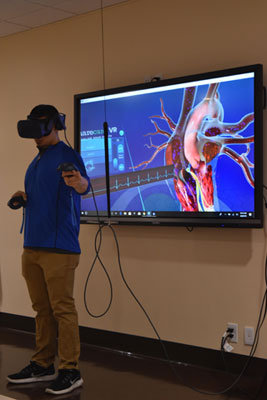 Anthony Desarro demonstrates how virtual reality teaches about the human heart