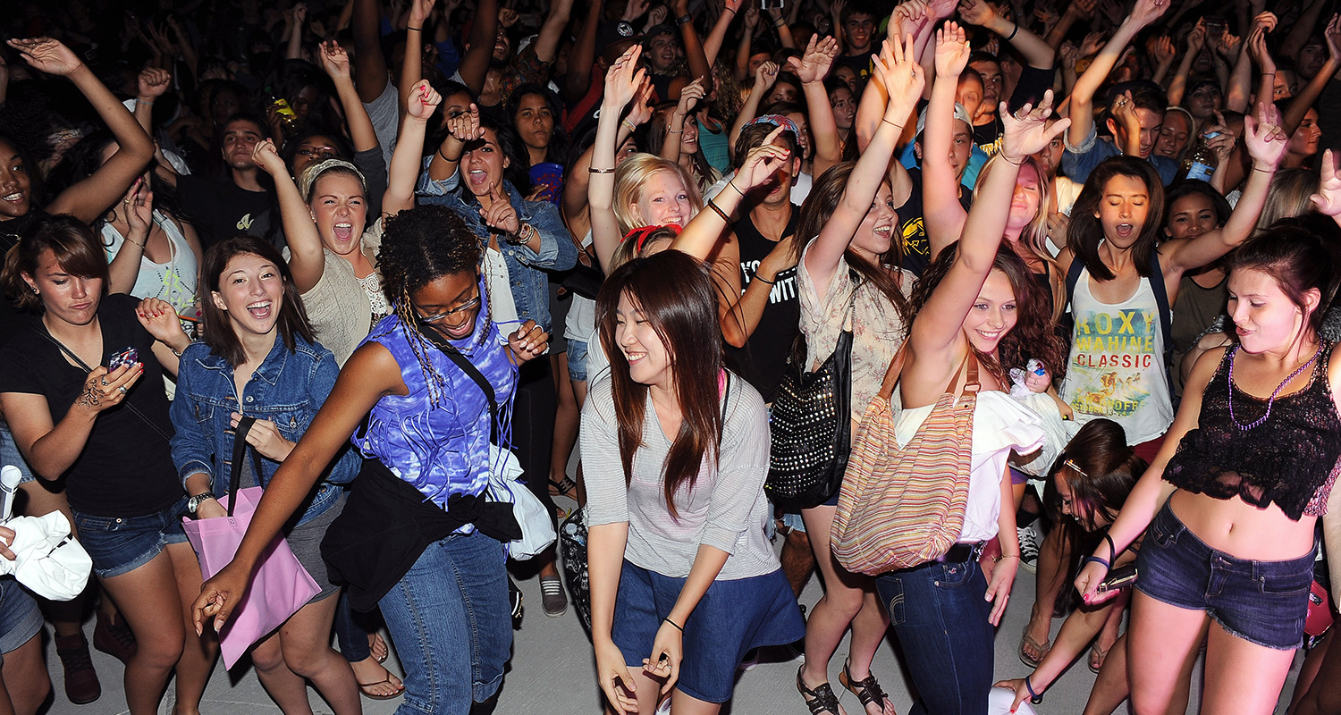 Thousands of Kent State students took over the Student Green to participate in a  dance party during the back-to-school Blastoff.