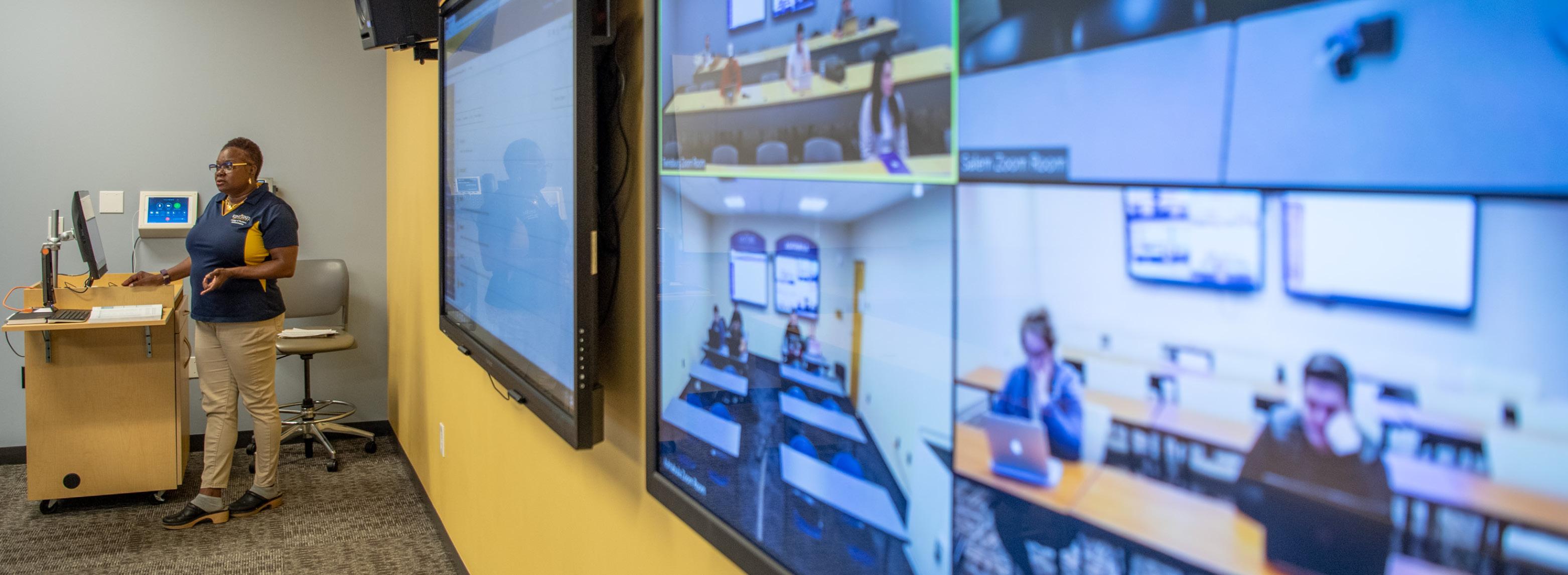 Velvet Landingham teaching in Zoom Room
