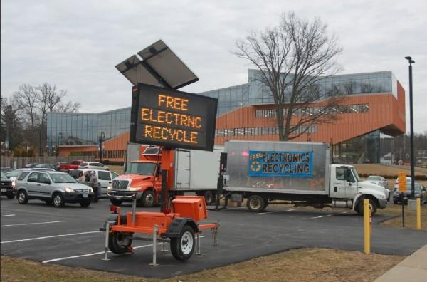 Electronics recycling photo