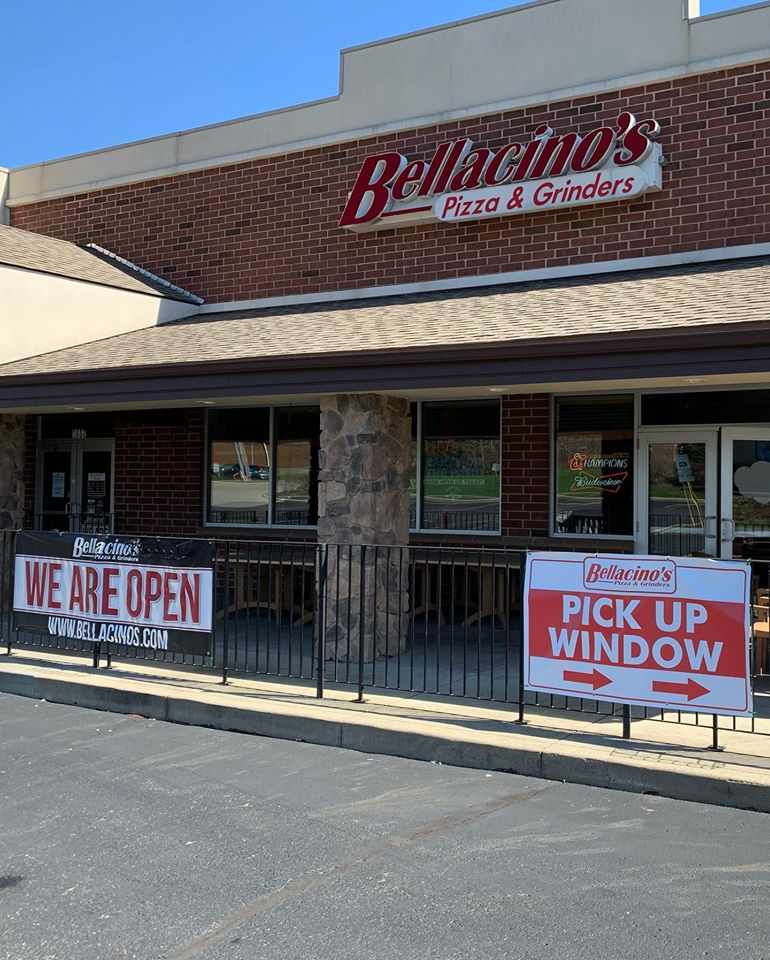 Bellacino's Pizza & Grinders in Stow, Ohio is owned by alumnus David Segen.
