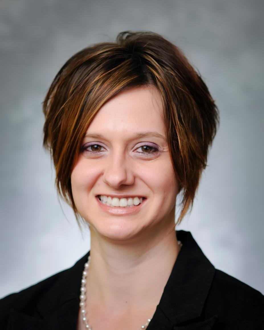 Claudia Kovach headshot