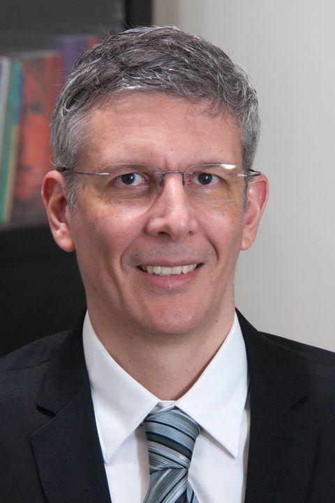 Daniel Alenquer headshot