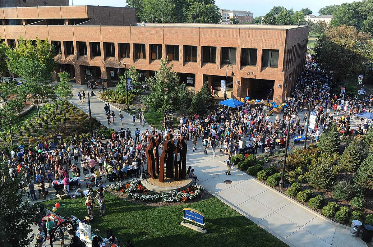 Photo of Kent State campus from fall 2015 back-to-school Blastoff