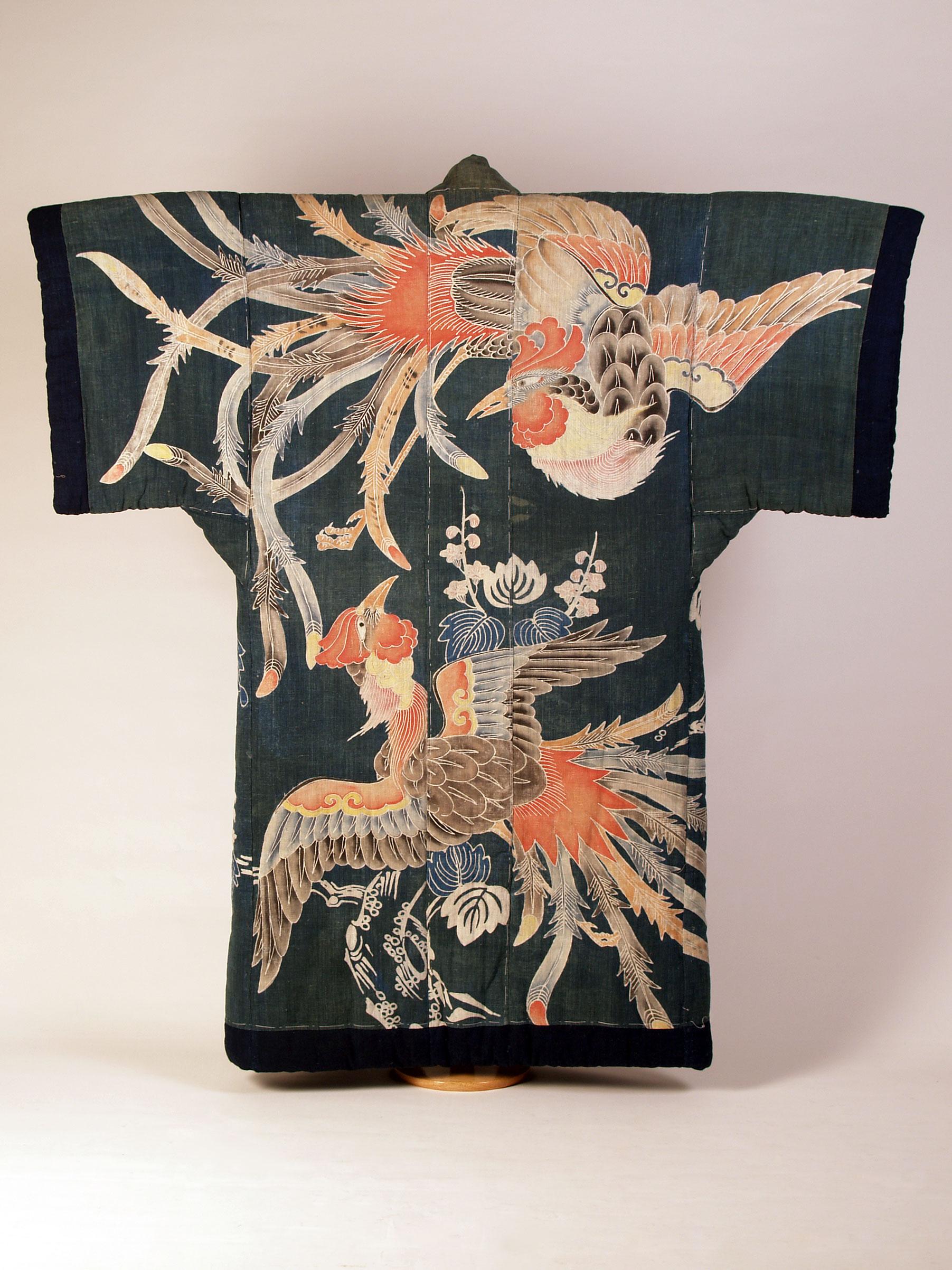 Kimono-shaped futon cover with design of phoenixes
