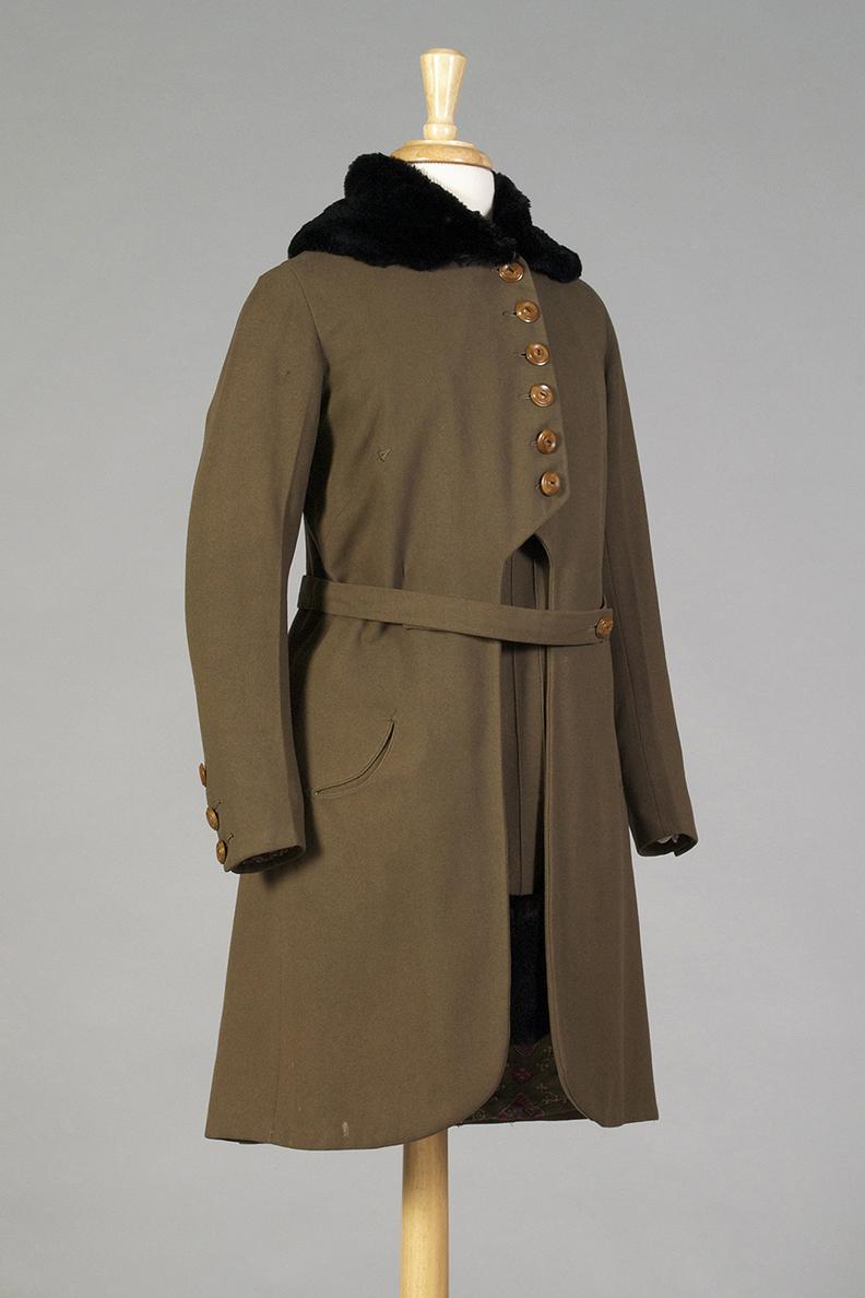Olive wool coat with fur trim American, circa 1915 Wool, beaver fur