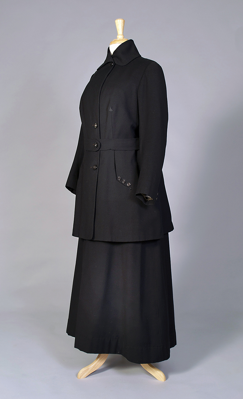 Black wool suit American, circa 1916 Wool twill, plastic buttons