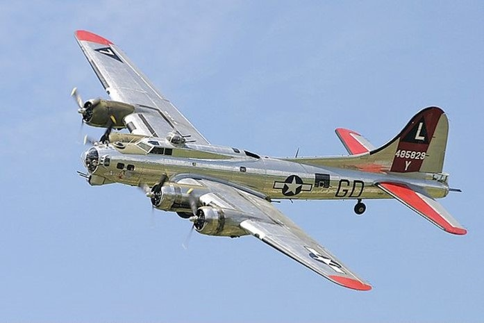 "photo Boeing B-17G Flying Fortress ""Yankee Lady,"" Yankee Air Museum"