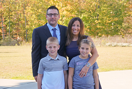 Ben Curtis and Candace Curtis, pictured here with their children, will return to their alma mater to serve as the Homecoming Parade Grand Marshals at Kent State University's annual Homecoming on Oct. 14. (Photo provided by Ben and Candace Curtis)