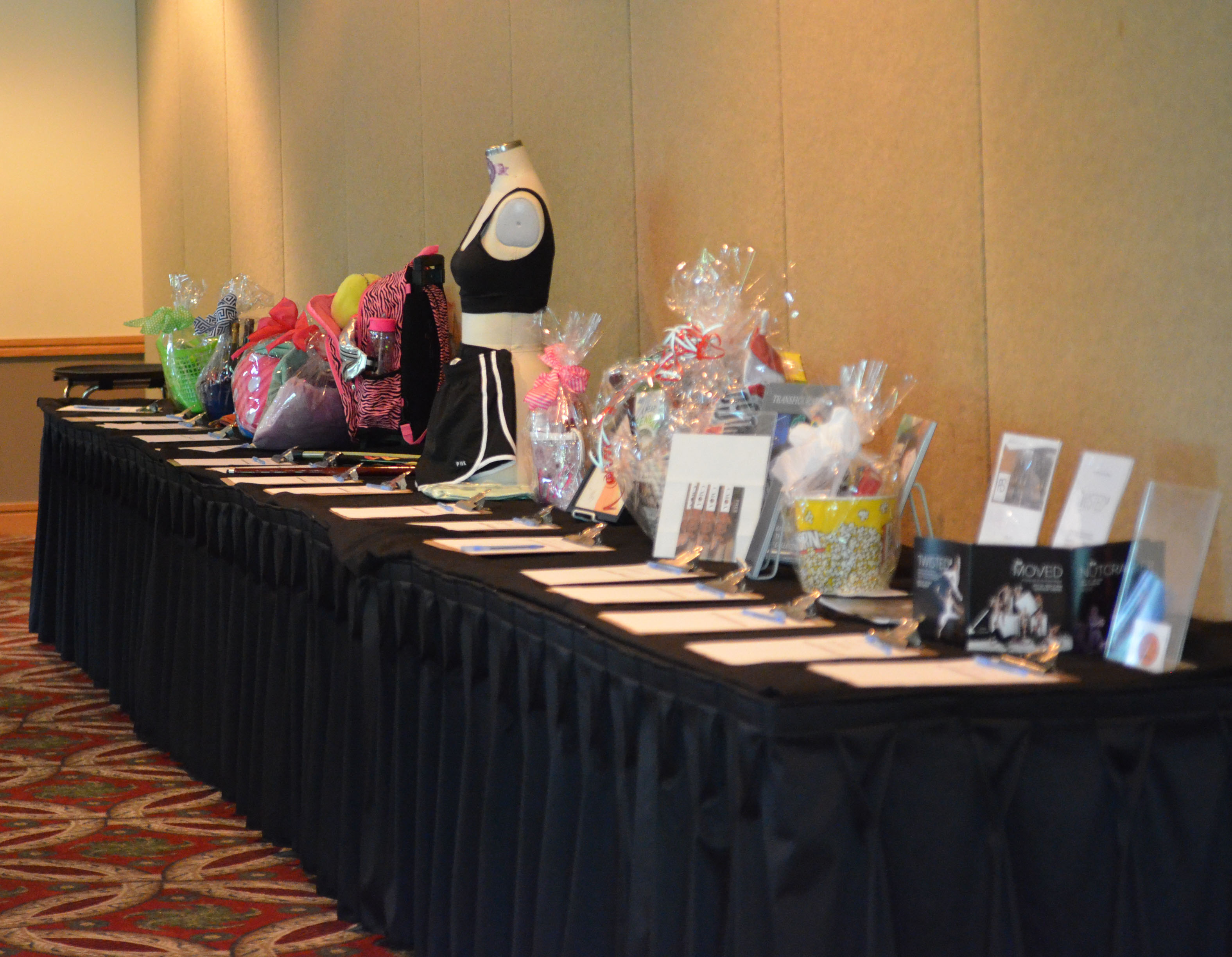 Silent auction table at the Fashion School's 2019 Columbus Alumni Event