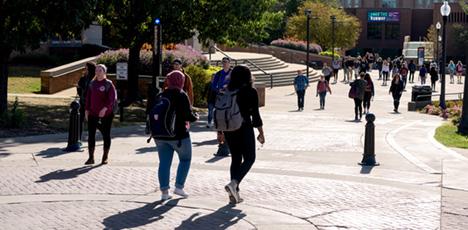 Students walking along Esplanade.