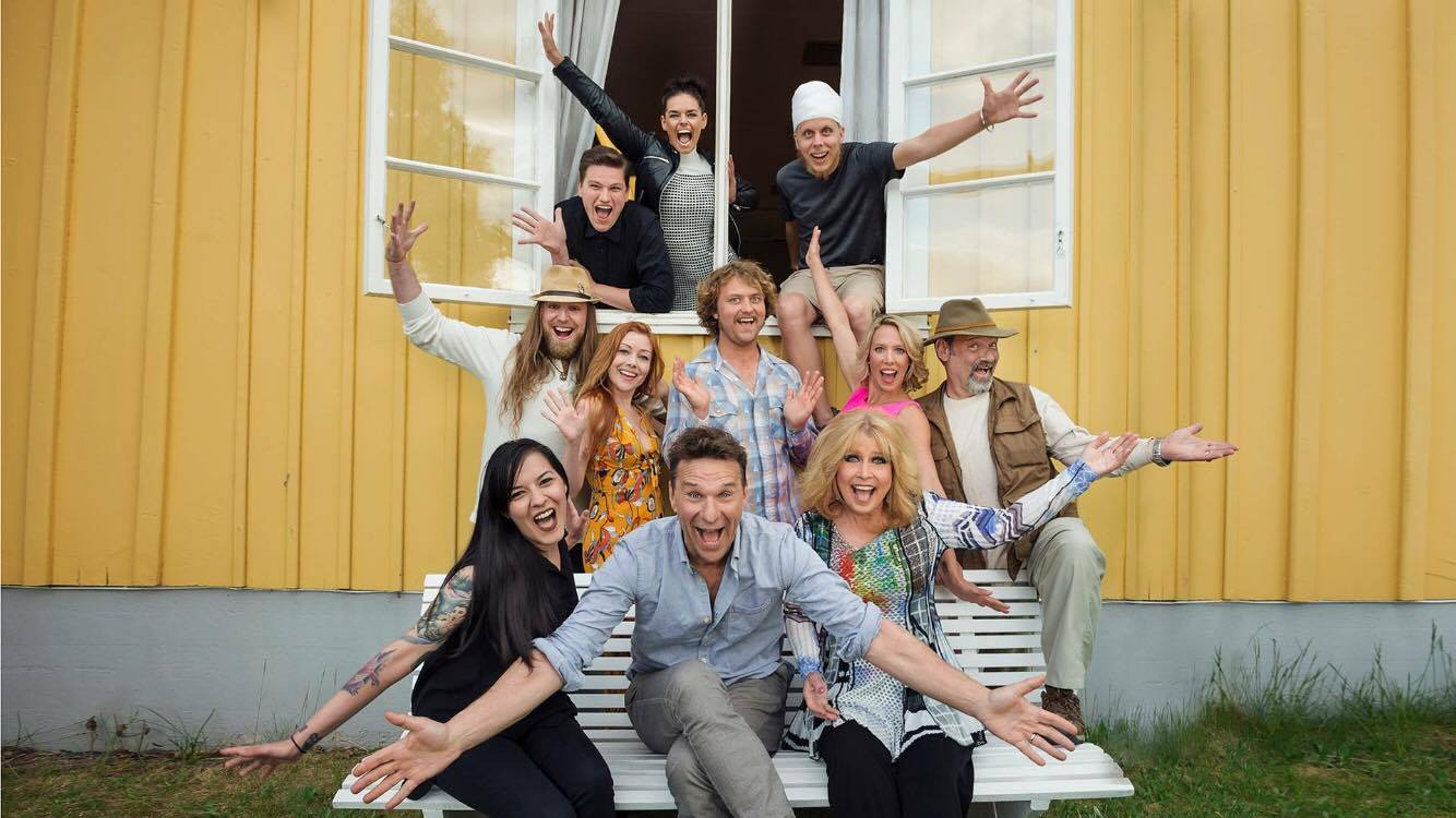 Alumnus Dylan Ratell is one of 10 American contestants appearing on a Swedish reality television program.