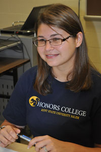 An Honors student at Kent State University at Salem