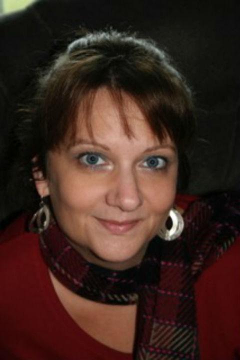 Julie Mazzei headshot