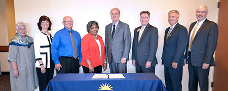 The RN-to-BSN Memorandum of Understanding was signed by the Kent State University provost, the vice president for Kent State System Integration, all Kent State Regional Campus deans and the dean of Kent State's College of Nursing.