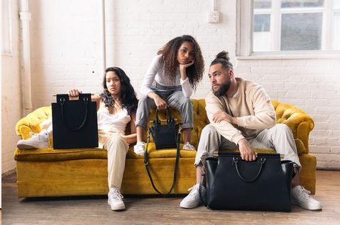 Leather goods from MAX+min's online collection