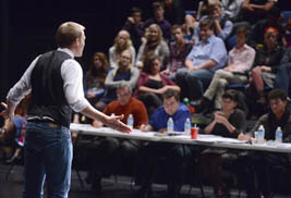 Kent State University alumnus John Moauro lectures students in the School of Theatre and Dance about building a successful career in New York City.
