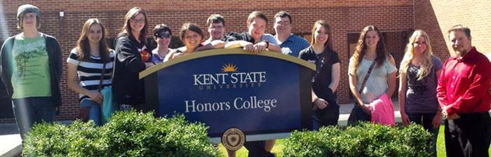 Salem Honors Students Visit Kent Campus 2014