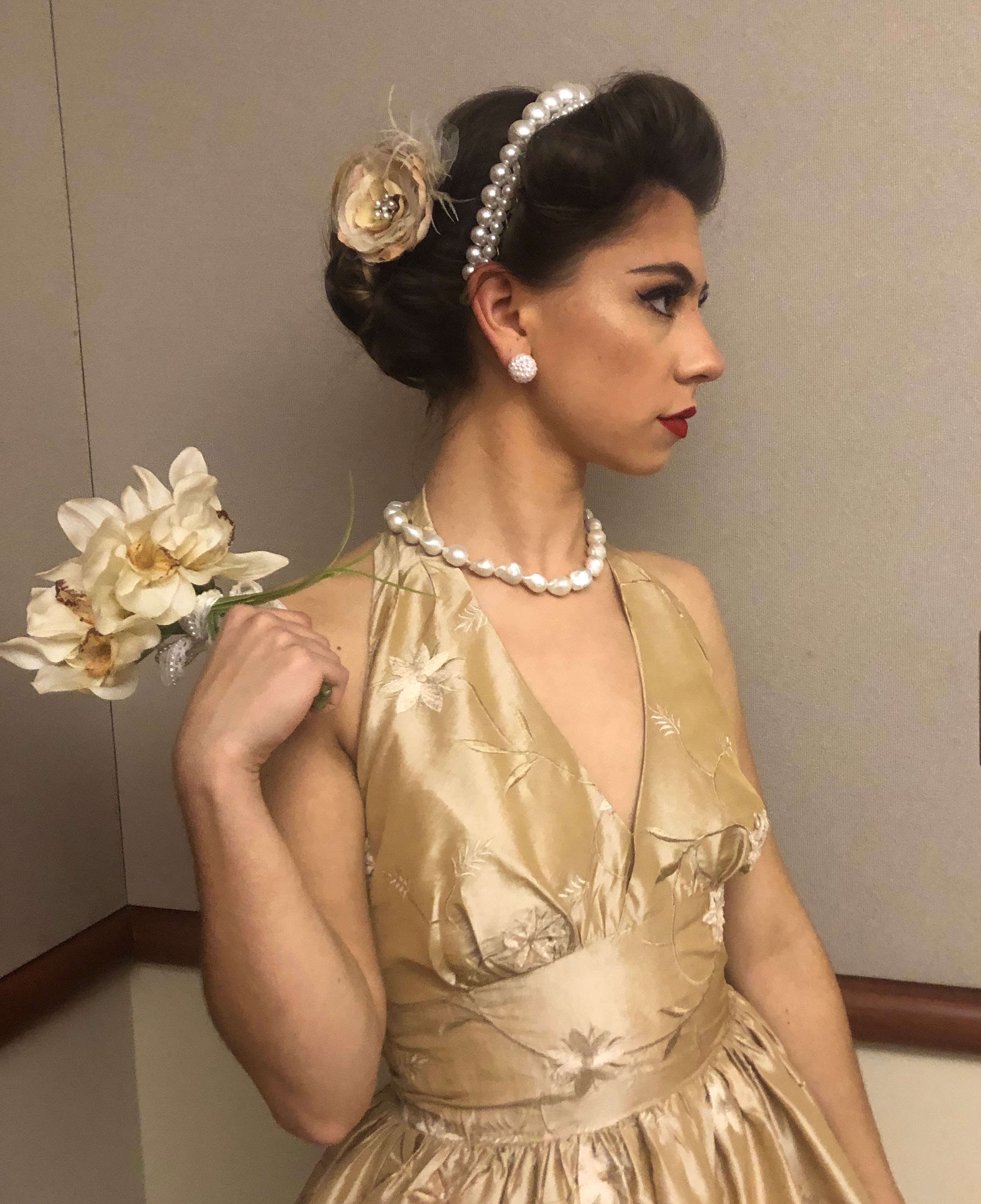 student modeling Bougie Bands bridal collection headband