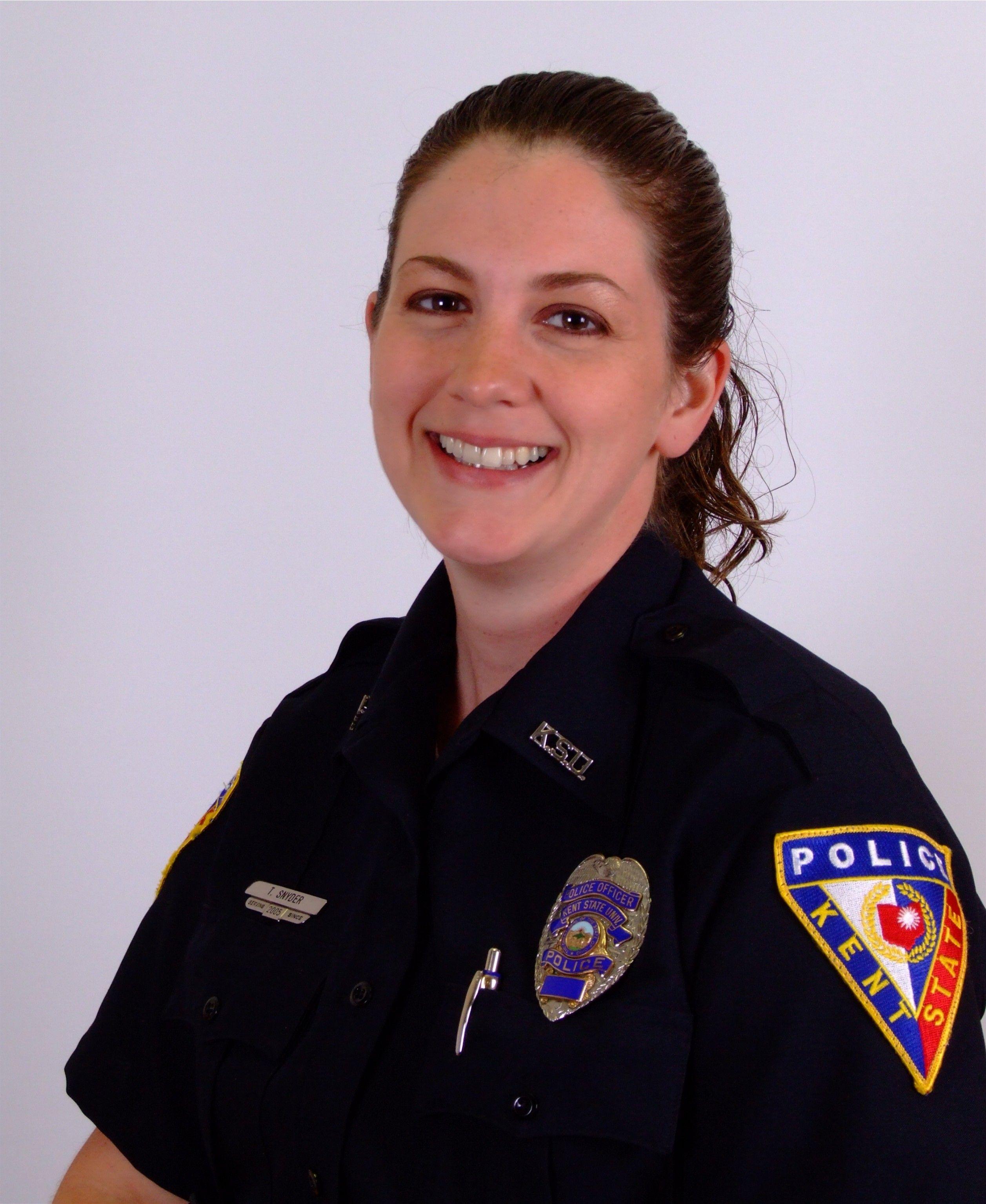 Headshot of Tricia Knoles