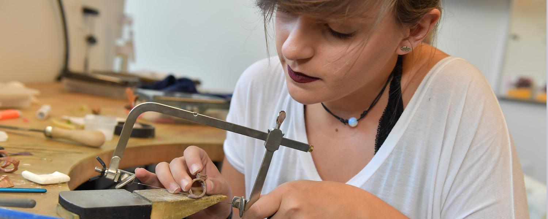 Jewelry/Metals/Enameling student