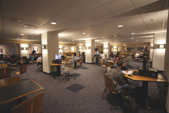 Photo of the Cyber Cafe in the Kent Student Center