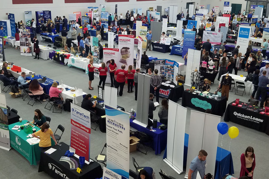 Kent State students take part in the Internship, Co-Op and Career Fair sponsored by Career Exploration and Development.