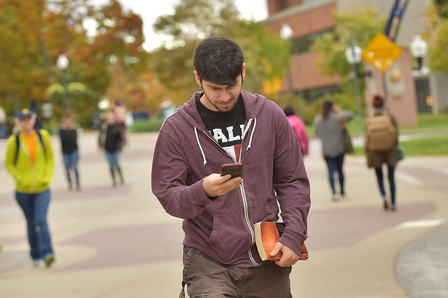 Kent State researchers study the effects of cellphone use on walking speed.