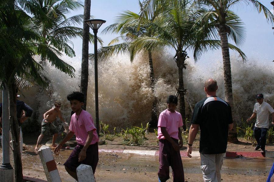 Tsunami wave hitting Ao Nang in Krabi Province, Thailand. Photo by David Rydevik (email: david.rydevikgmail.com), Stockholm, Sweden, December 26, 2004.