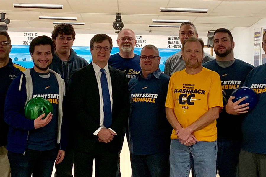 Group picture of bowling team