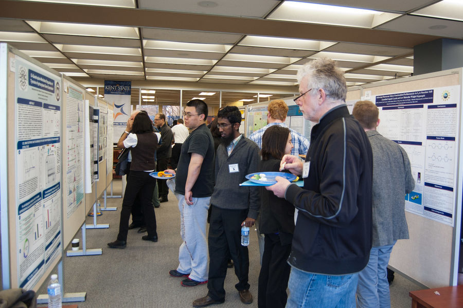 Students and faculty at a previous SAACS poster session.