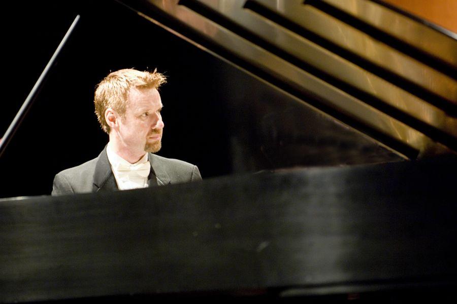 Read Gainsford, pianist
