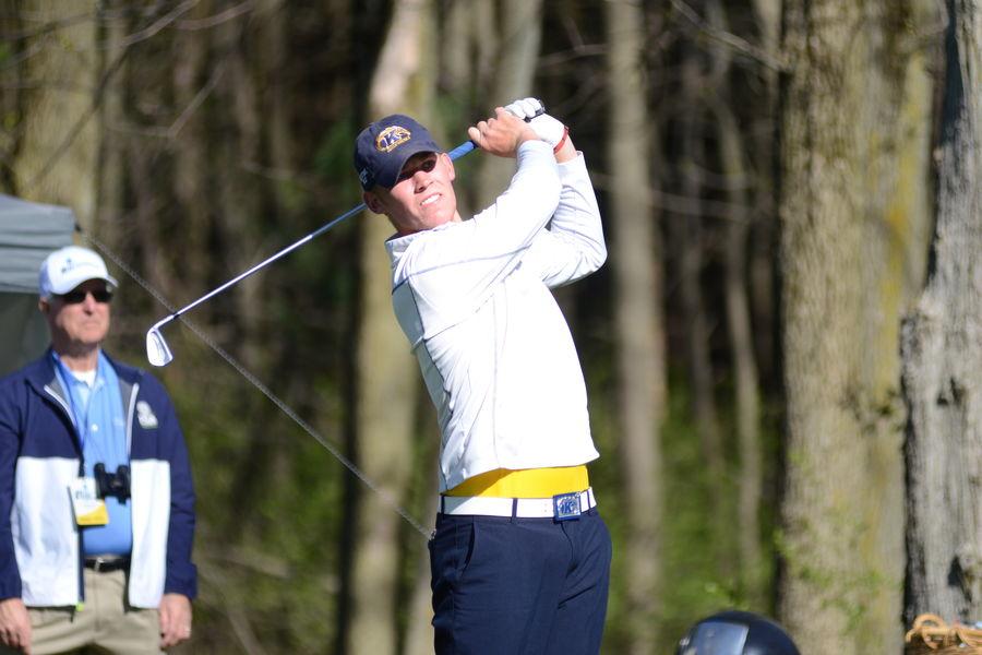 Kent State Golfer Ian Holt Tees Off