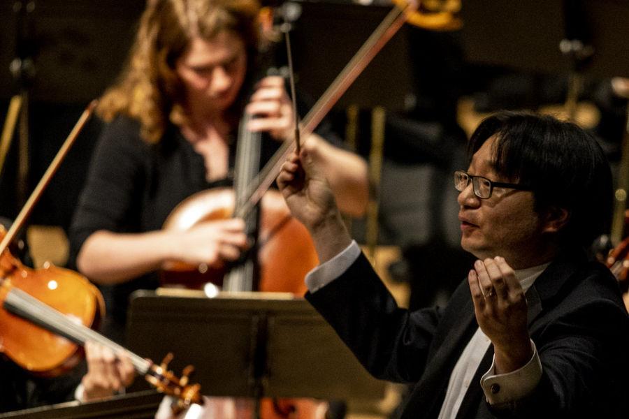 Jungho Kim conducting KSU Orchestra