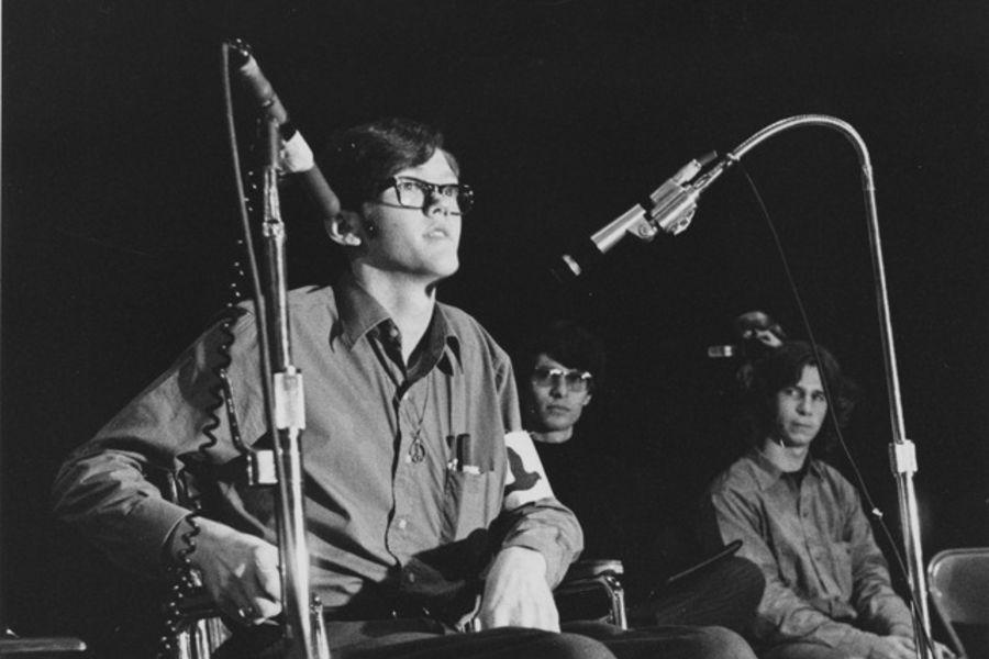Dean Kahler speaks at the memorial service for slain students, Sept. 28, 1970.