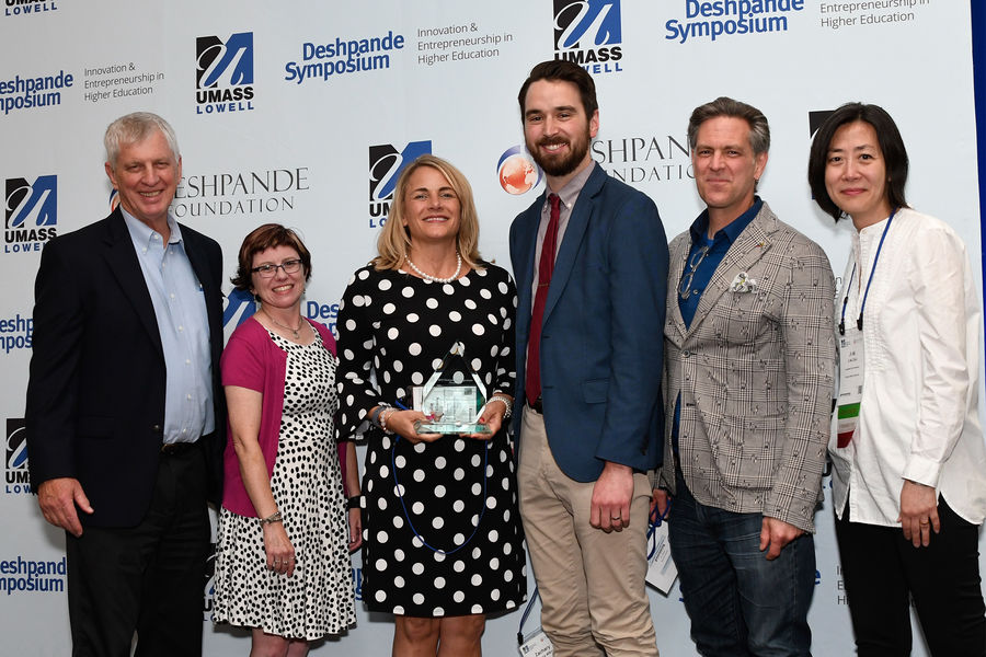 LaunchNET Kent State receives Excellence in Student Engagement award at Deshpande Symposium