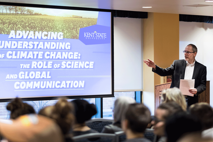 "Professor Paul Haridakis welcomes attendees to the Spring 2018 Pulitzer Center on Crisis Reporting panel discussion, ""Advancing Understanding of Climate Change: The Role of Science and Global Communication."""