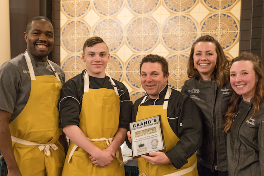 Kent State's Honorable Registered Dietitians, Madison Jordan and Emily Reynolds along with Executive Chef, Billy Edmondson and Dining Staff