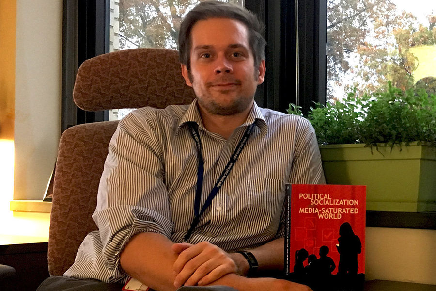 Journalism professor publishes book on political socialization in a media-saturated world.