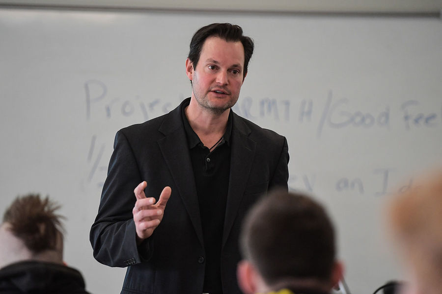Kent State Business Professor Craig Zamary challenges entrepreneurial students to consider impact of artificial intelligence on a global economy.