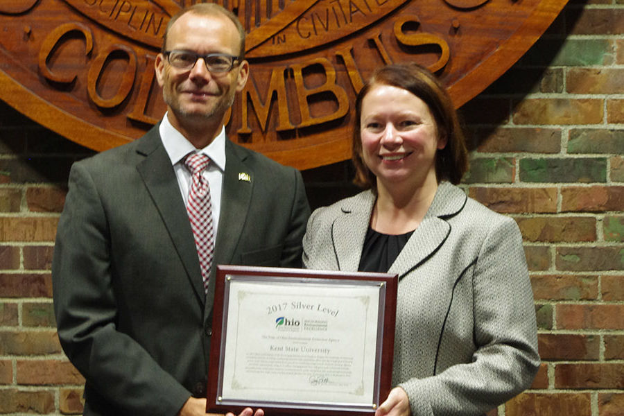 Melanie Knowles, Kent State's manager for sustainability, received the 2017 Encouraging Environmental Excellence (E3) Silver-level award on behalf of the university.